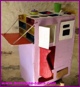 travaux manuels avec du carton maison en carton mes travaux manuels en carton tissage. Black Bedroom Furniture Sets. Home Design Ideas