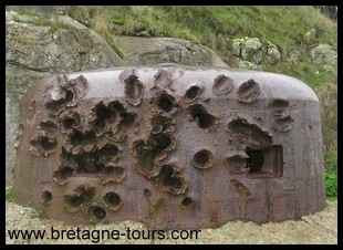 impact on a pillbox in Saint Servan