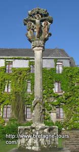 Calvaire de l'église de Notre Dame de la Tronchaye à Rochefort