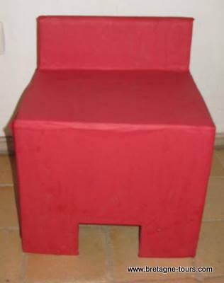 Chaise en carton pour garçon