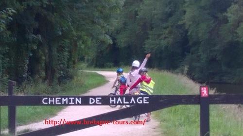 Le chemin de halage du canal d'Ille et Rance