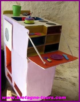 Cuinière jouet pour enfants en carton recyclé