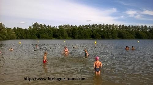 Baignade à l'étang de Betineuc de Saint André des Eaux