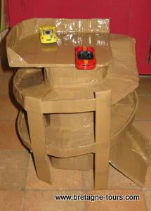 Modele de garage en carton