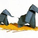 L'origami ou l'art de se détendre... avec des enfants... tous les avantages du pliage quand il pleut !