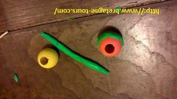 Perle en bois pour des boules de Noël en extérieur