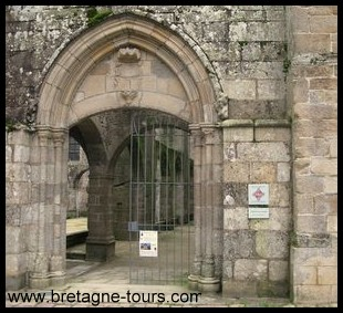 portail de Léhon