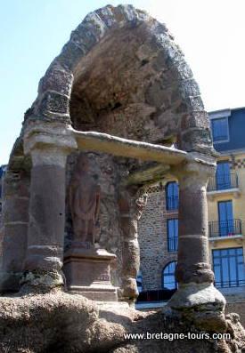Saint Guirec le saint des célibataires