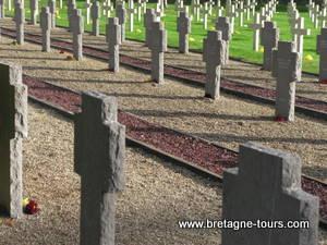 Soldats allemands au cimetière de Rennes